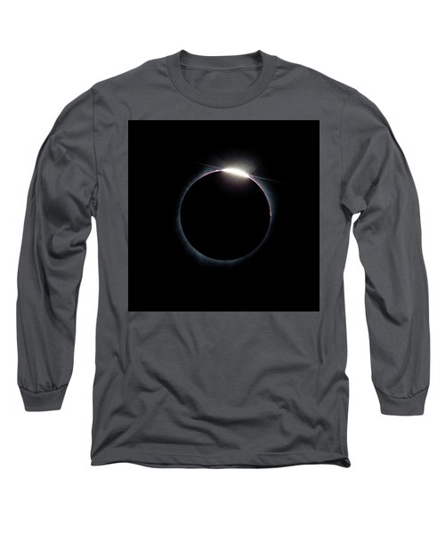 Post Diamond Ring Effect Long Sleeve T-Shirt