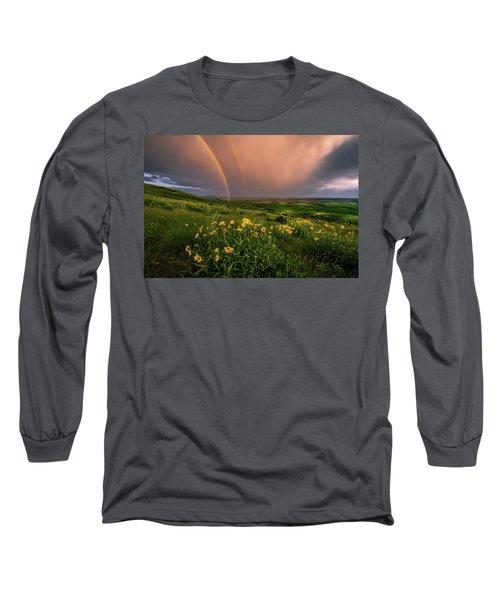 Rainbow At Steptoe Butte Long Sleeve T-Shirt