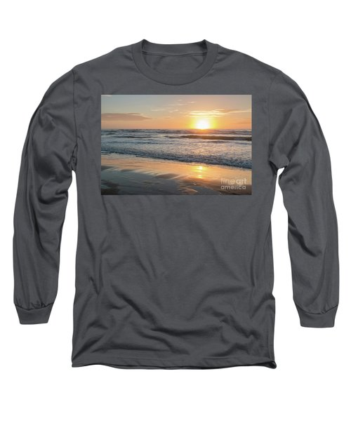Rising Sun Reflecting On Wet Sand With Calm Ocean Waves In The B Long Sleeve T-Shirt