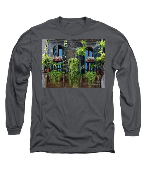 Romeo And Juliet  Long Sleeve T-Shirt