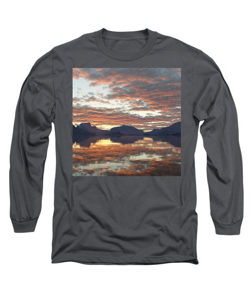 Long Sleeve T-Shirt featuring the digital art Salmon Lake Sunset by Mark Greenberg