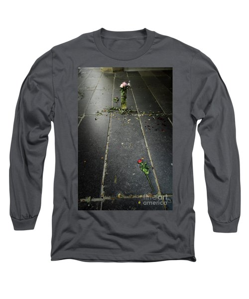 Long Sleeve T-Shirt featuring the photograph Saskia Rembrandt's Tomb by RicardMN Photography