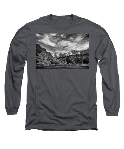 Smith Rock Bw Long Sleeve T-Shirt