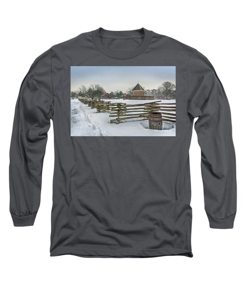 Split Rail Fence In Front Of Colonial Williamsburg Magazine Long Sleeve T-Shirt