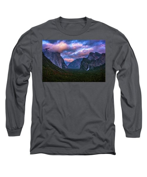 Spring Sunset At Yosemite's Tunnel View Long Sleeve T-Shirt