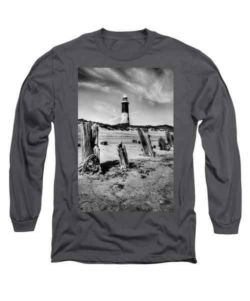 Spurn Point Lighthouse And Groynes Long Sleeve T-Shirt