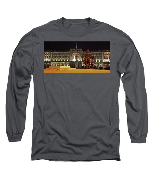 Long Sleeve T-Shirt featuring the photograph Statues View Of Buckingham Palace by Terri Waters