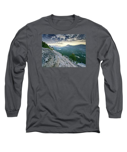 Sunrise Over Tenaya Lake - Yosemite National Park Long Sleeve T-Shirt