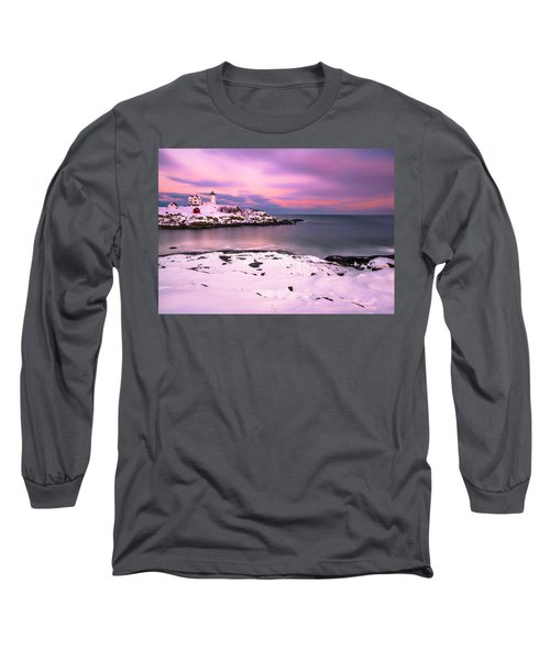 Sunset At Nubble Lighthouse In Maine In Winter Snow Long Sleeve T-Shirt