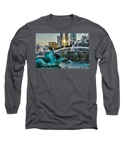 telephoto look at Chicago's Buckingham Fountain  Long Sleeve T-Shirt