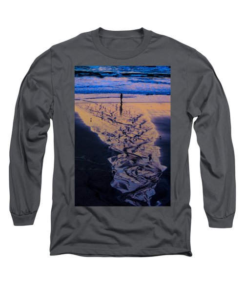 Long Sleeve T-Shirt featuring the photograph The Comming Day by Dale Stillman