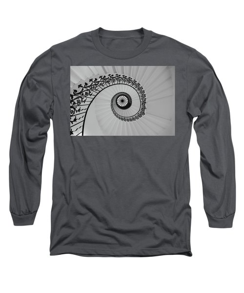 Long Sleeve T-Shirt featuring the photograph The Queens House by David Chandler