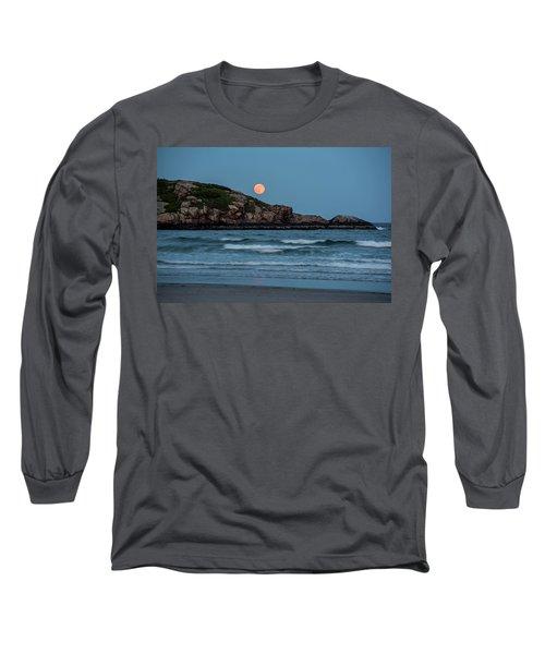 The Strawberry Moon Rising Over Good Harbor Beach Gloucester Ma Island Long Sleeve T-Shirt