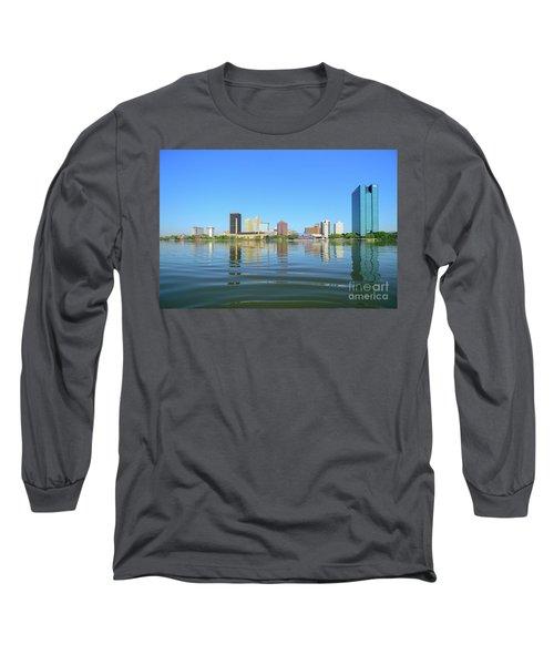 D12u-673 Toledo Ohio Skyline Photo Long Sleeve T-Shirt