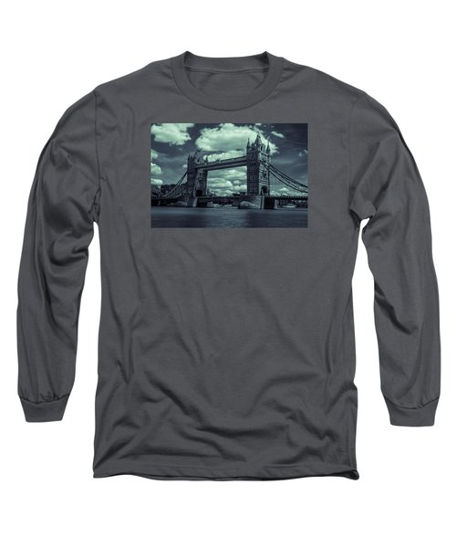 Tower Bridge Bw Long Sleeve T-Shirt