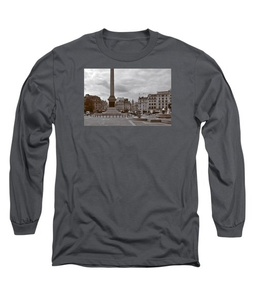 Long Sleeve T-Shirt featuring the photograph Trafalgar Square Sunday Morning by Nop Briex