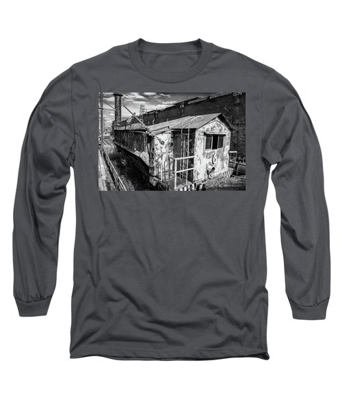 Train 6 In Black And White Long Sleeve T-Shirt
