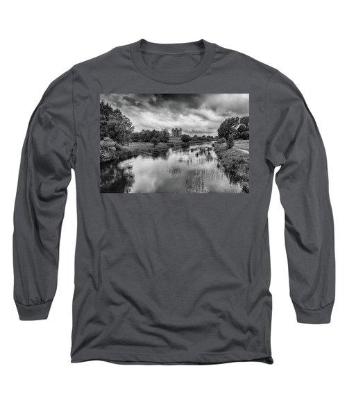 Trim Castle And The River Boyne Long Sleeve T-Shirt by Martina Fagan