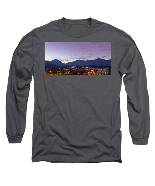 Twilight Panorama Of Estes Park, Stanley Hotel, Castle Mountain And Lumpy Ridge - Rocky Mountains  Long Sleeve T-Shirt