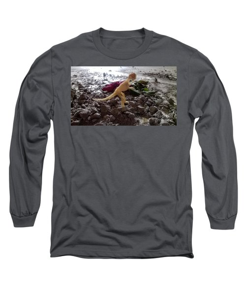 Uncovered Dinosaur Bones Yet Never One Slave Ship Found And It's 2017 Long Sleeve T-Shirt