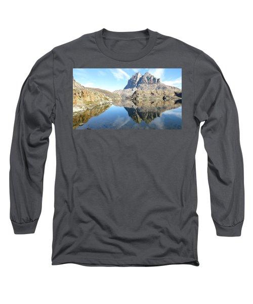 Uumm Lake Long Sleeve T-Shirt