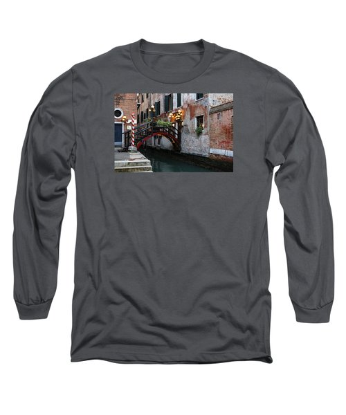 Venice Italy - The Cheerful Christmassy Restaurant Entrance Bridge Long Sleeve T-Shirt