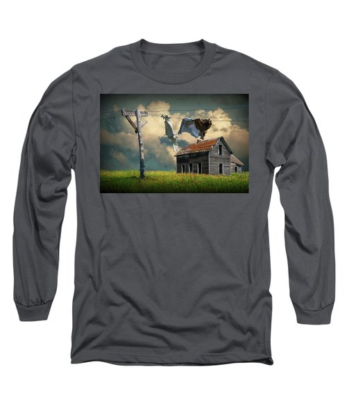 Wash On The Line By Abandoned House Long Sleeve T-Shirt