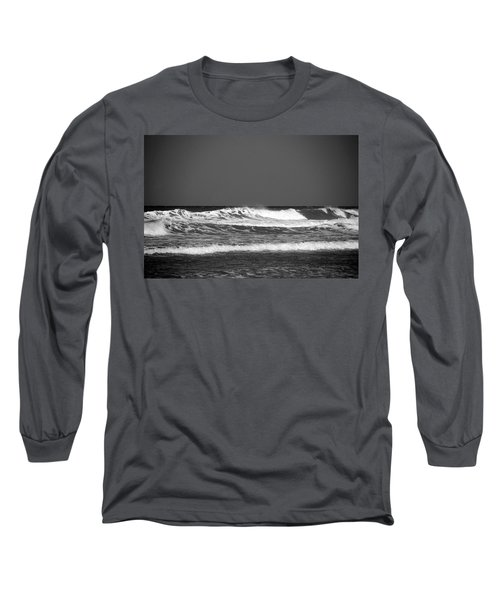 Waves 2 In Bw Long Sleeve T-Shirt