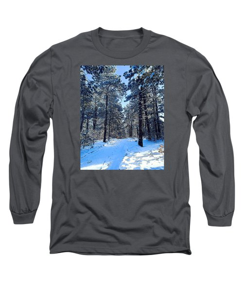 Long Sleeve T-Shirt featuring the digital art Winter Morning by Walter Chamberlain
