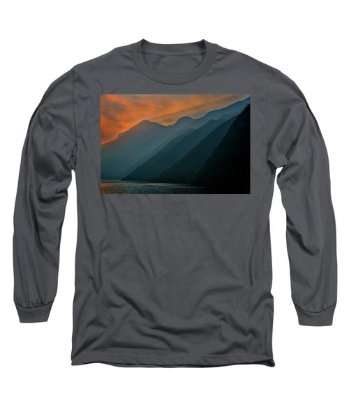 Wu Gorge Sunrise Long Sleeve T-Shirt