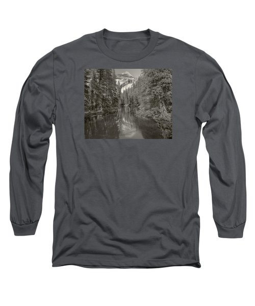 Yosemite Hike  Pictorial Long Sleeve T-Shirt