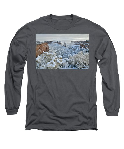 Independence Monument In Snow Long Sleeve T-Shirt