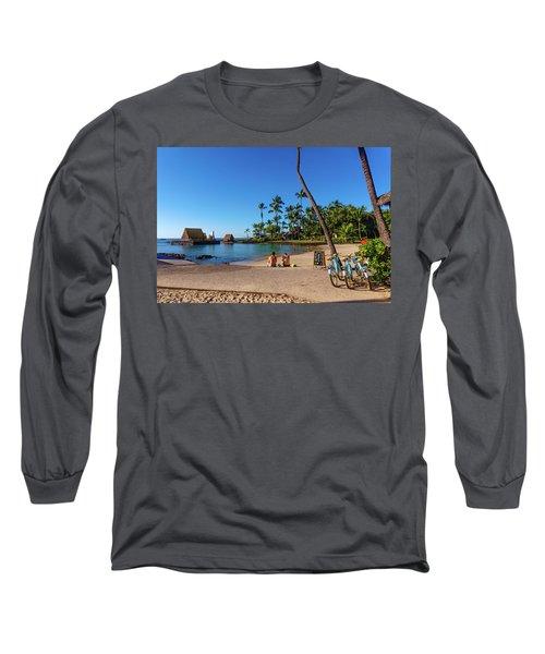 Kamakahonu Beach Long Sleeve T-Shirt