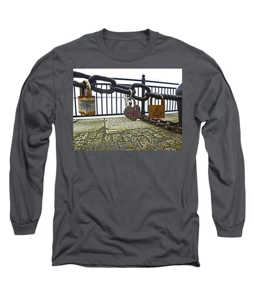 Liverpool. The Albert Dock. Eternal Love. Long Sleeve T-Shirt