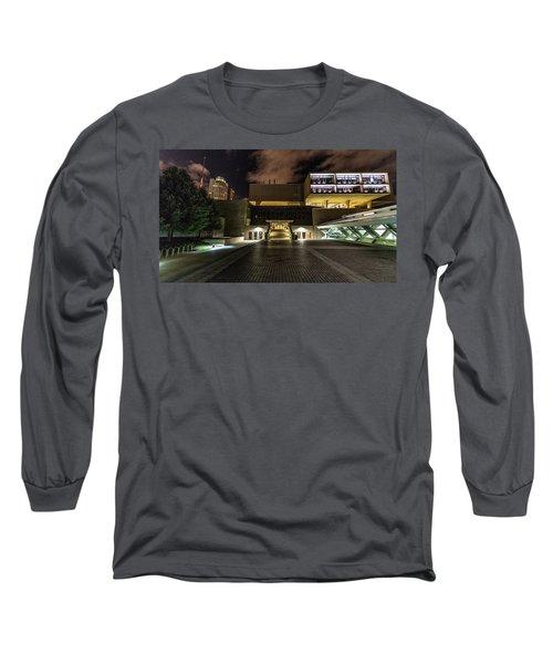 Long Sleeve T-Shirt featuring the photograph Milwaukee County War Memorial by Randy Scherkenbach