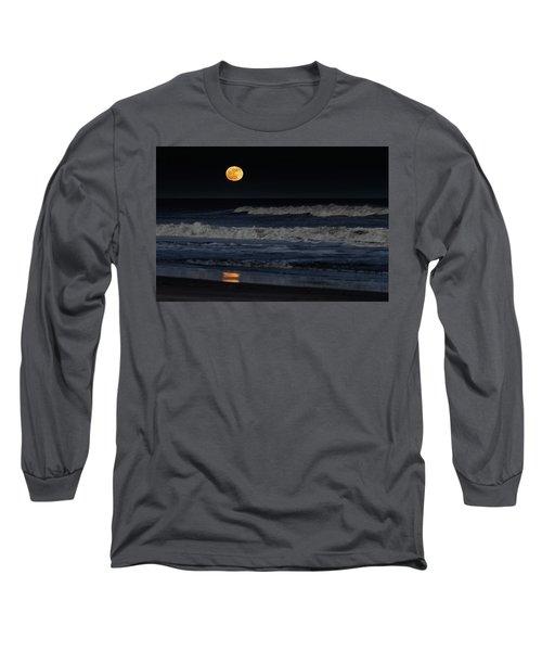 Moonrise Over Assateague Island Beach Long Sleeve T-Shirt