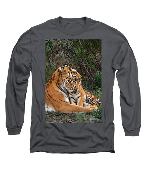 Siberian Tiger Mother And Cub Endangered Species Wildlife Rescue Long Sleeve T-Shirt