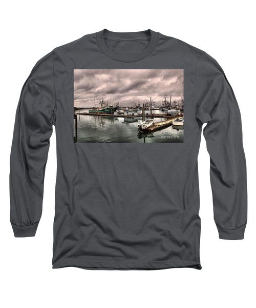 Slow Day At Illwaco Long Sleeve T-Shirt