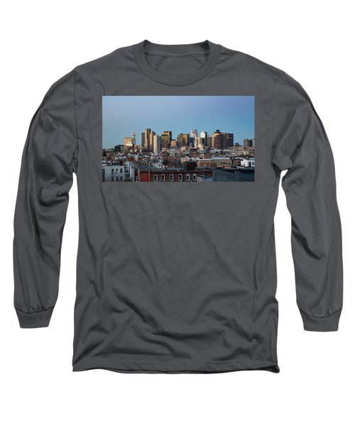 The Skyline Of Boston In Massachusetts, Usa On A Clear Winter Ev Long Sleeve T-Shirt