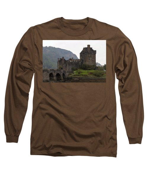 Cartoon - Structure Of The Eilean Donan Castle With A Stone Bridge Long Sleeve T-Shirt