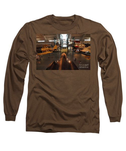 Sr71 Blackbird At The Udvar Hazy Air And Space Museum Long Sleeve T-Shirt