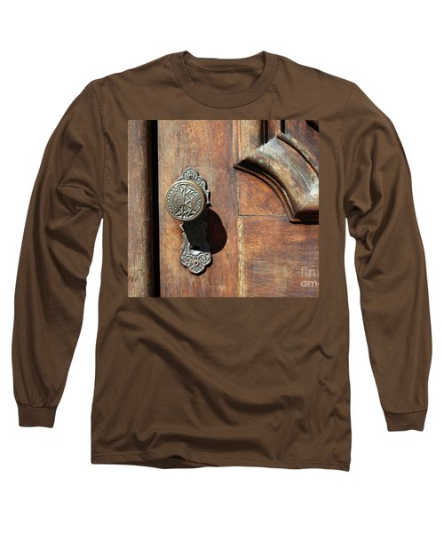 The Old Victorian Chic Long Sleeve T-Shirt by Yvonne Wright