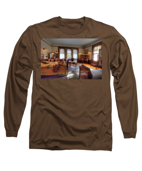 Bedroom Glensheen Mansion Duluth Long Sleeve T-Shirt