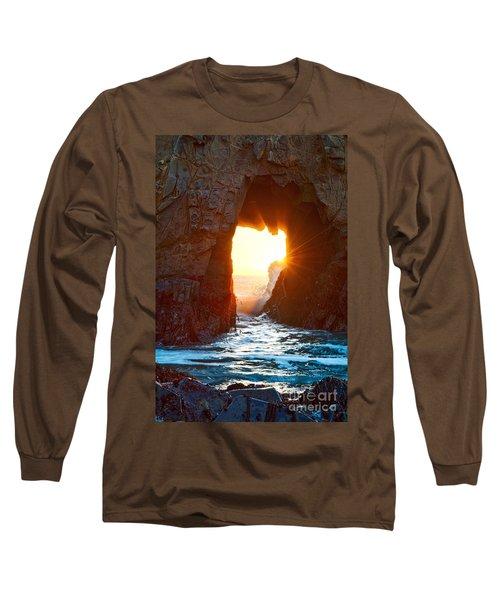 Fireburst - Arch Rock In Pfeiffer Beach In Big Sur. Long Sleeve T-Shirt
