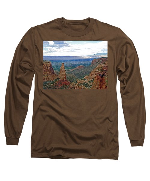 Independence Monument In Colorado National Monument Near Grand Junction-colorado Long Sleeve T-Shirt