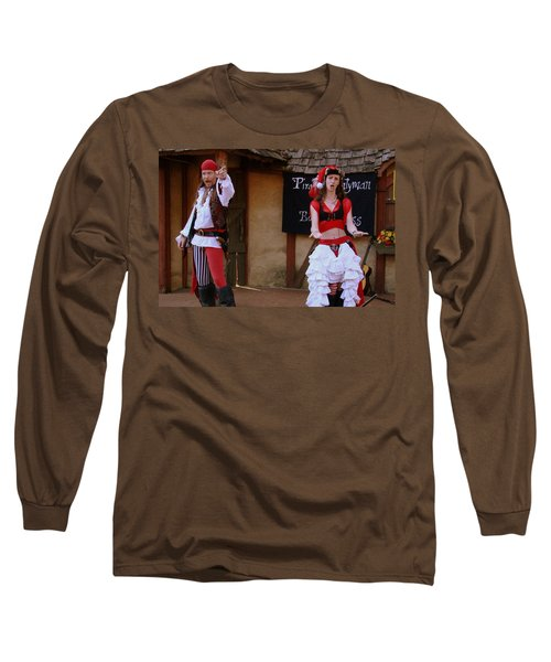 Pirate Shantyman And Bonnie Lass Long Sleeve T-Shirt