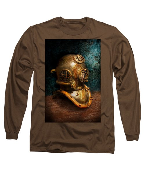 Steampunk - Diving - The Diving Helmet Long Sleeve T-Shirt