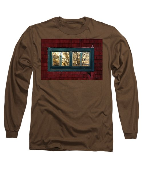 Long Sleeve T-Shirt featuring the photograph Sunrise In Old Barn Window by Susan Capuano