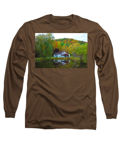 Vermont House In Full Autumn Long Sleeve T-Shirt