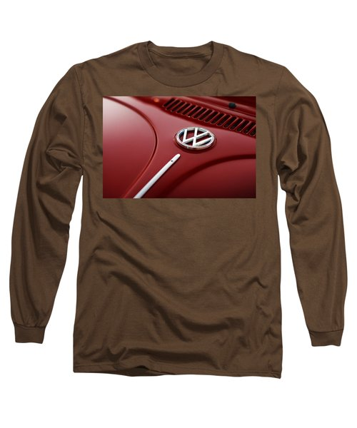 Long Sleeve T-Shirt featuring the photograph 1973 Volkswagen Beetle by Gordon Dean II